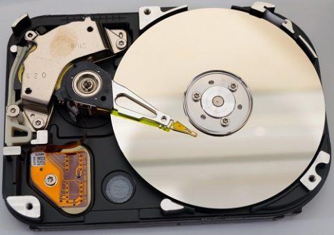 Bad sector trong HDD có thể xuất hiện khi xuất xưởng hoặc sau một thời gian sử dụng.